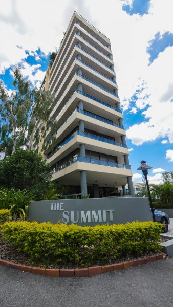 Brisbane Short Term Accommodation - The Summit Apartments ...